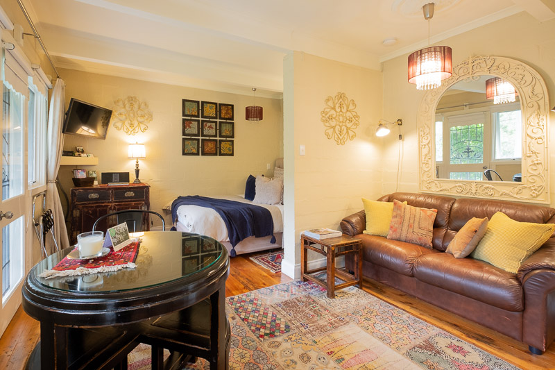 Valleyview Apartment at Brentwood B&B.